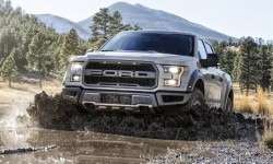 2017 Ford F-150 Raptor rides on dirt