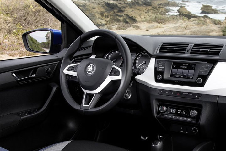 Skoda Fabia 2018 года - фото, характеристики, цена новой модели Skoda